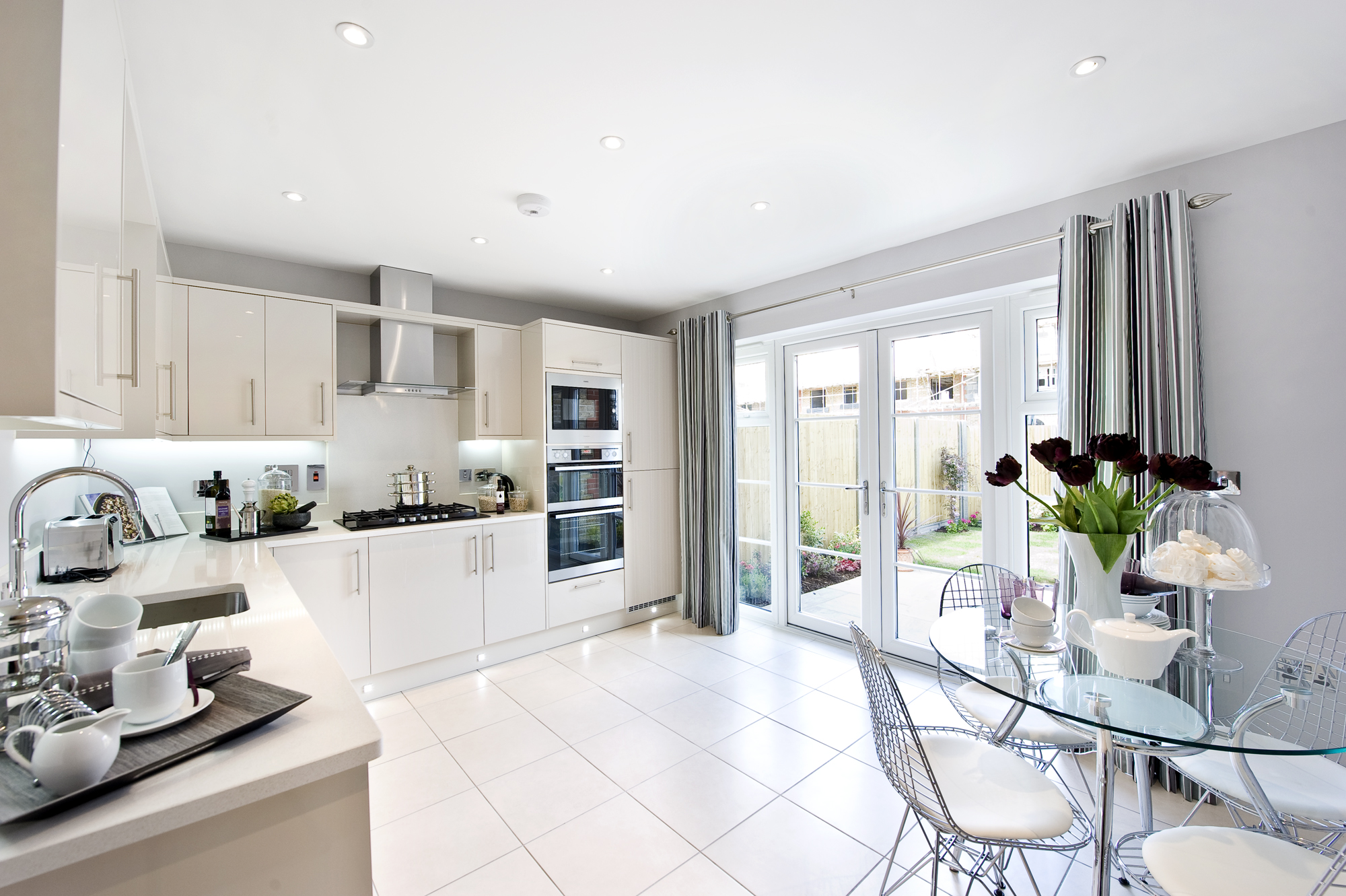 Only 3 homes remaining at cranbourne mews eton wick - Show picture of kitchen ...